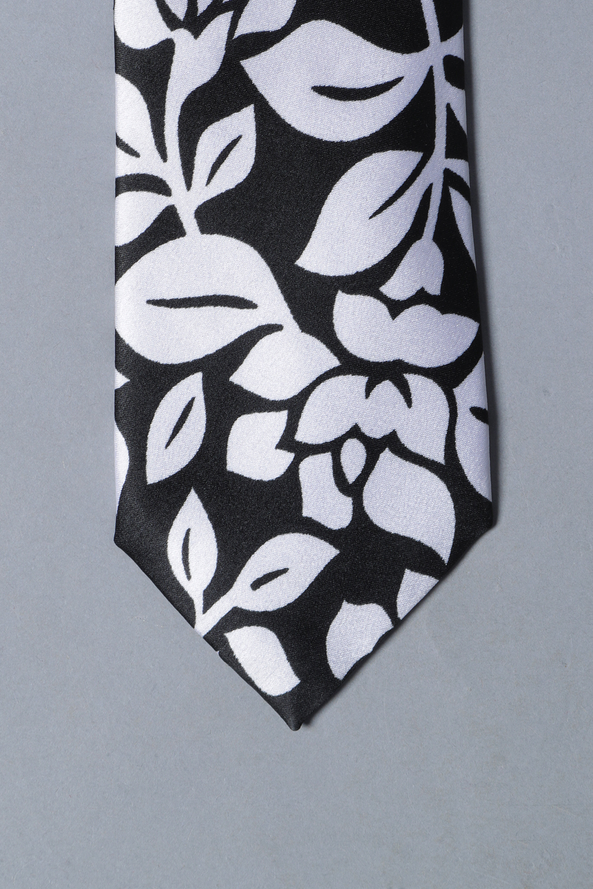 Black jack tie & pocket square